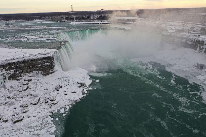 Niagara Falls Frozen image