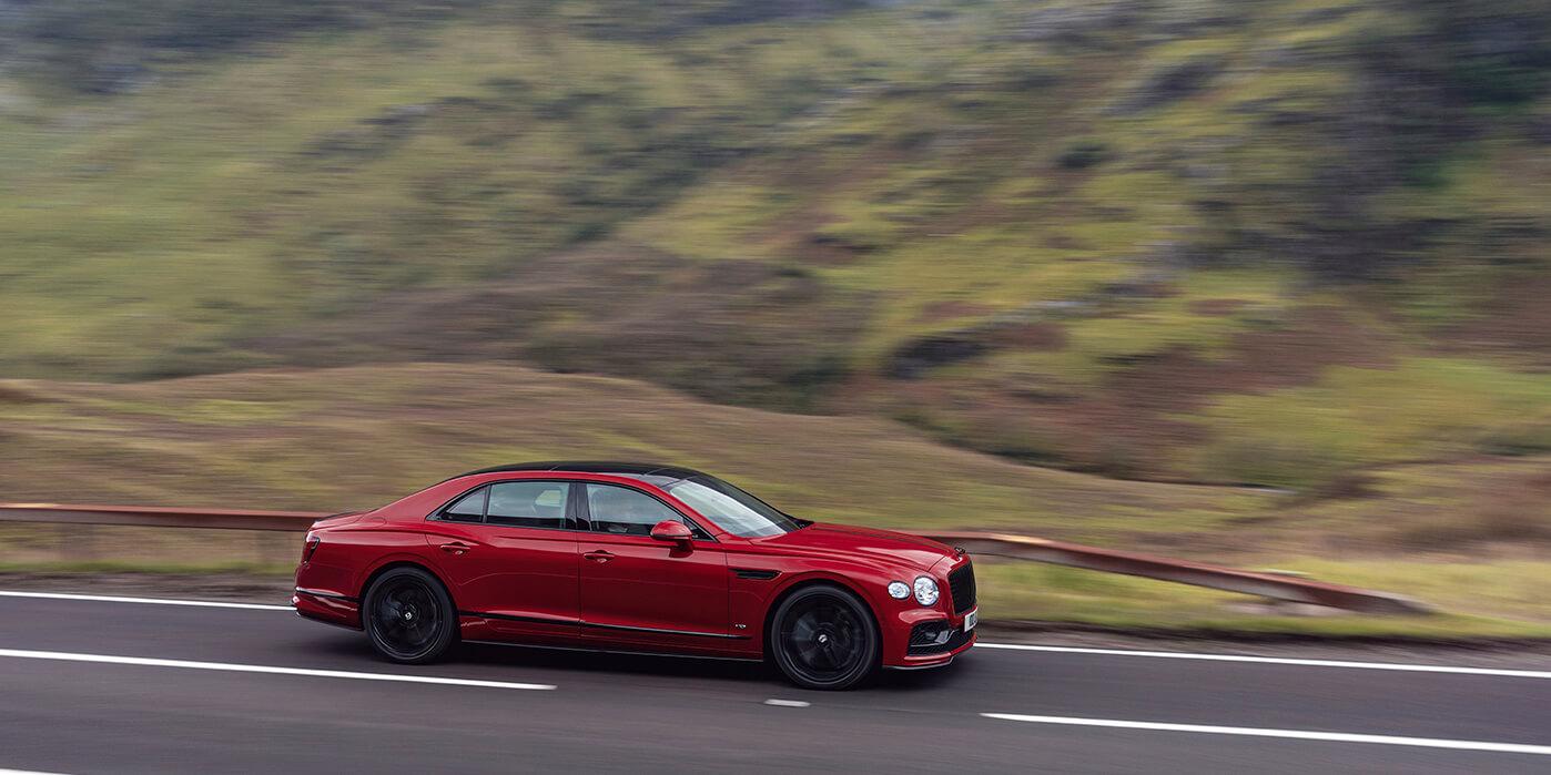 Bentley Flying Spur V8 Wallpaper