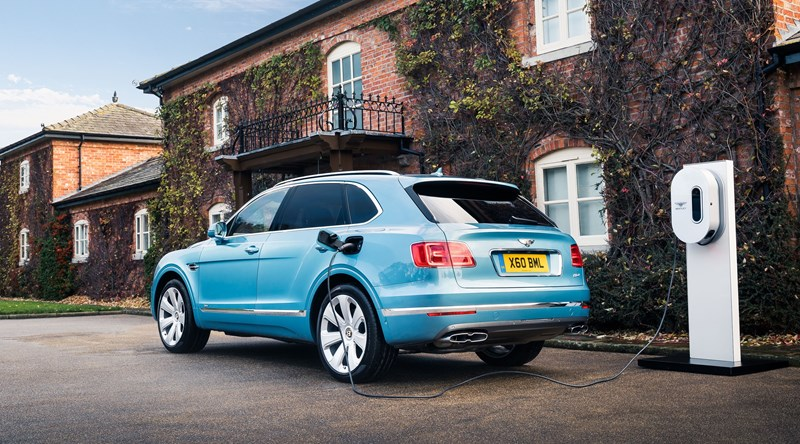 Bentley Bentayga Hybrid Wallpaper